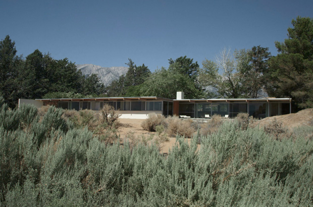 Interview-with-Mike-Dorsey,-Director-of-The-Oyler-House--Richard-Neutra's-Desert-Retreat-1
