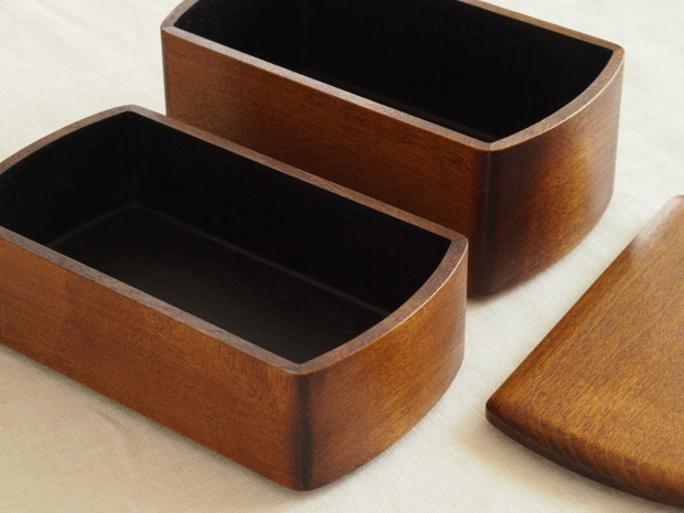 Lacquer-Boxes-Designed-by-Oji-Masanori-for-Wajima-Kirimoto-2