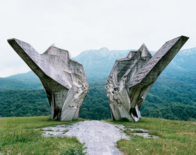 Spomenik,-The-Monuments-of-Former-Yugoslavia-by-Jan-Kempenaers-2