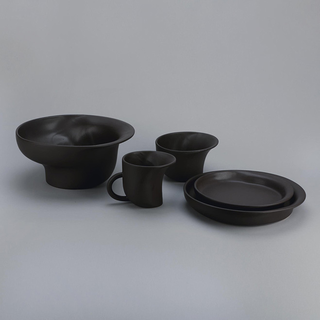 Altering-Traditional-Utilitarian-Forms---Ceramics-by-Ian-Aandersson-10