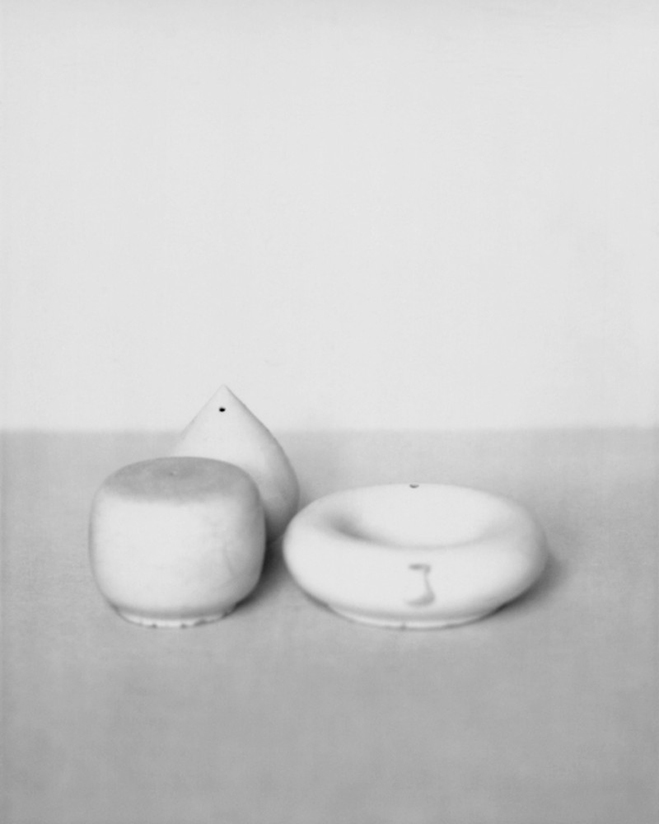 In-the-Pursuit-of-White---Porcelain-Vessels-Photographed-by-Bohnchang-Koo-5