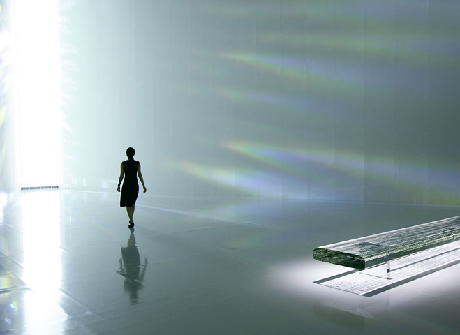 Experimenting-with-Light-&-Space---Art-by-Tokujin-Yoshioka-2