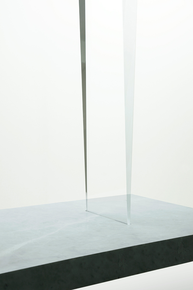 Experimenting-with-Light-&-Space---Art-by-Tokujin-Yoshioka-3