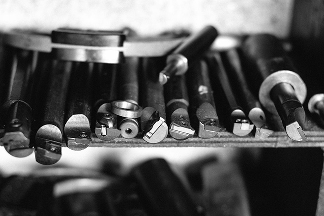 Linking-Past-Memories-and-Modern-Life---Metal-Stationery-by-Ystudio-2