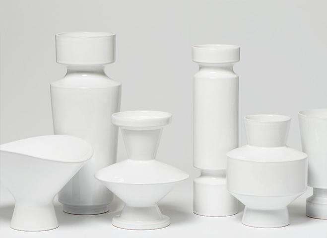 A-Form-Sitting-in-Empty-Space---Vases-&-Bowls-by-Linck-Ceramics-1