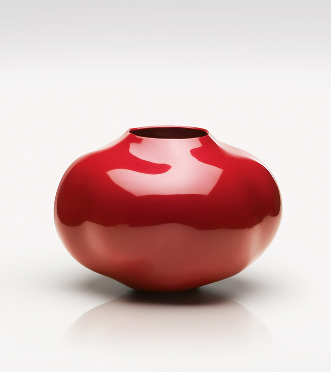 Layer-by-Layer---Lacquer-Vessels-by-Korean-Artist-Chung-Hae-Cho-6