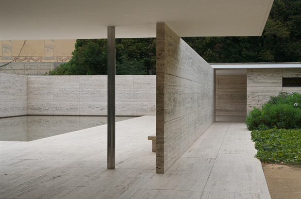 the barcelona pavilion by ludwig mies van der rohe oen. Black Bedroom Furniture Sets. Home Design Ideas