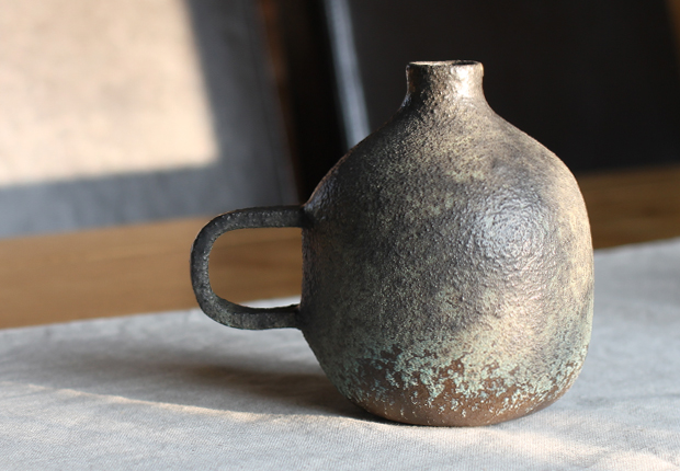 New Pottery and Ceramics at OEN Shop by Misa Kumabuchi of Mushimegane Books 1