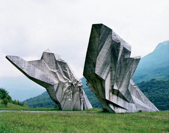 Spomenik,-The-Monuments-of-Former-Yugoslavia-by-Jan-Kempenaers-4
