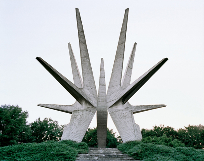 Spomenik,-The-Monuments-of-Former-Yugoslavia-by-Jan-Kempenaers-6