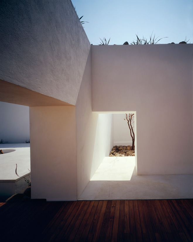 Santa-Maria-Valle-de-Bravo-Mexico-by-Hierve-Architects-2
