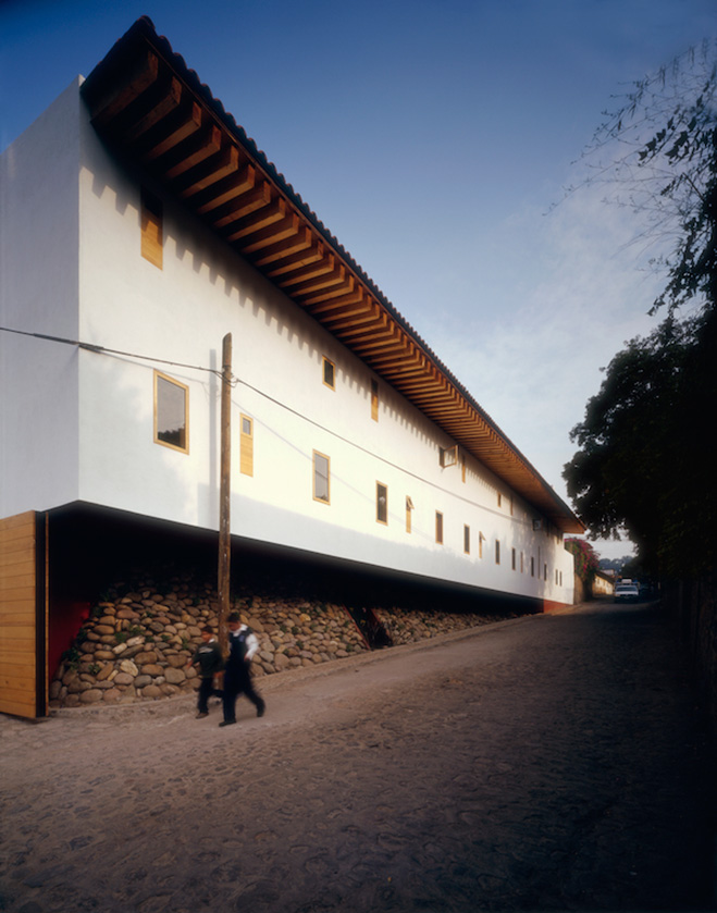 Santa-Maria-Valle-de-Bravo-Mexico-by-Hierve-Architects-6