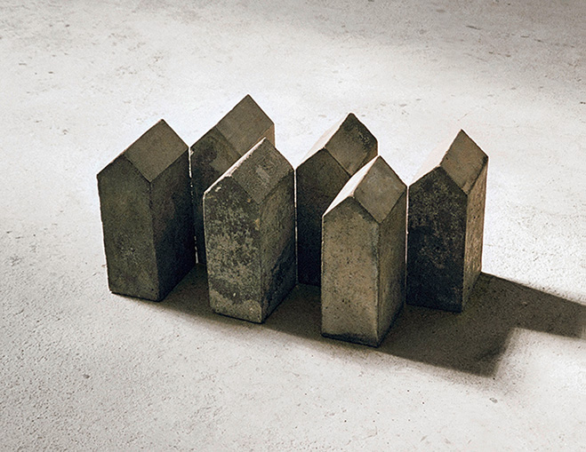 Concrete-Houses-and-Stairwell-Sculptures---Fruh-by-Hubert-Kiecol-1