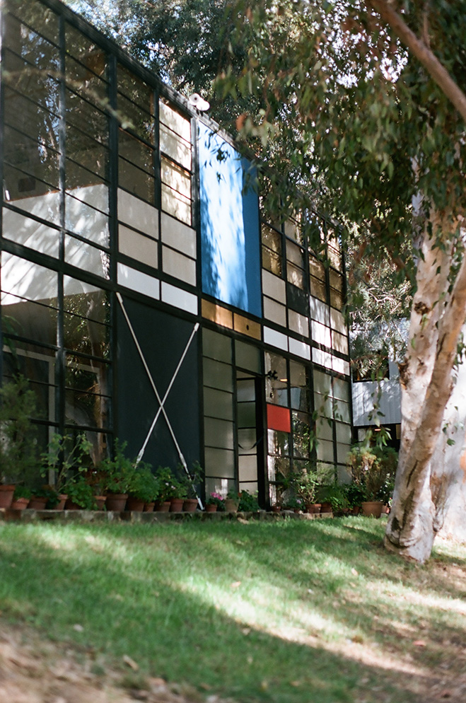 Eames-House-&-LA-Architecture-by-Mark-Robinson-6