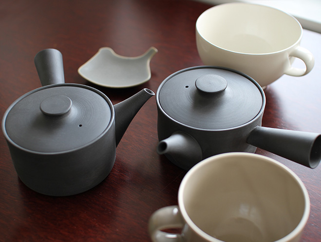 Teapots, Cups & Small Plates - Designed in Tokyo by Yumiko iihoshi 1