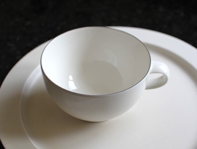 Teapots, Cups & Small Plates - Designed in Tokyo by Yumiko iihoshi 4