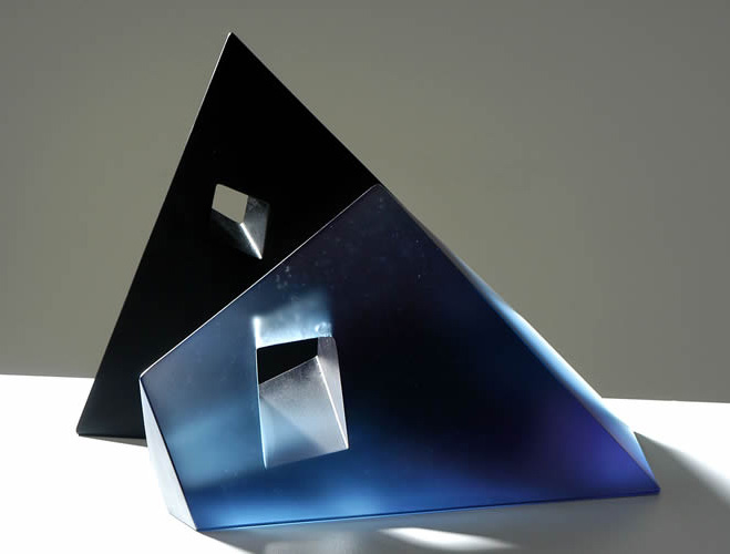 Bold-Striking-Forms-by-Glass-Artist-Emma-Camden-4