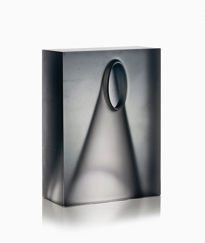 Goemetric-Glass-Sculptures-by-Richard-Whiteley-1