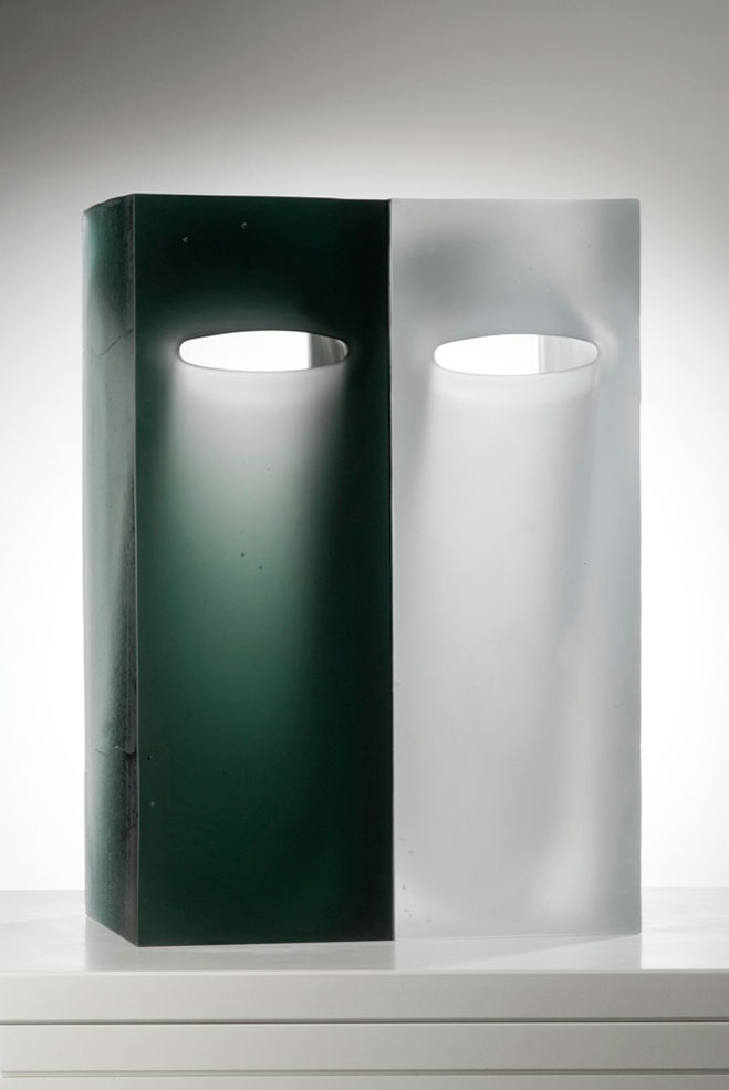 Goemetric-Glass-Sculptures-by-Richard-Whiteley-11