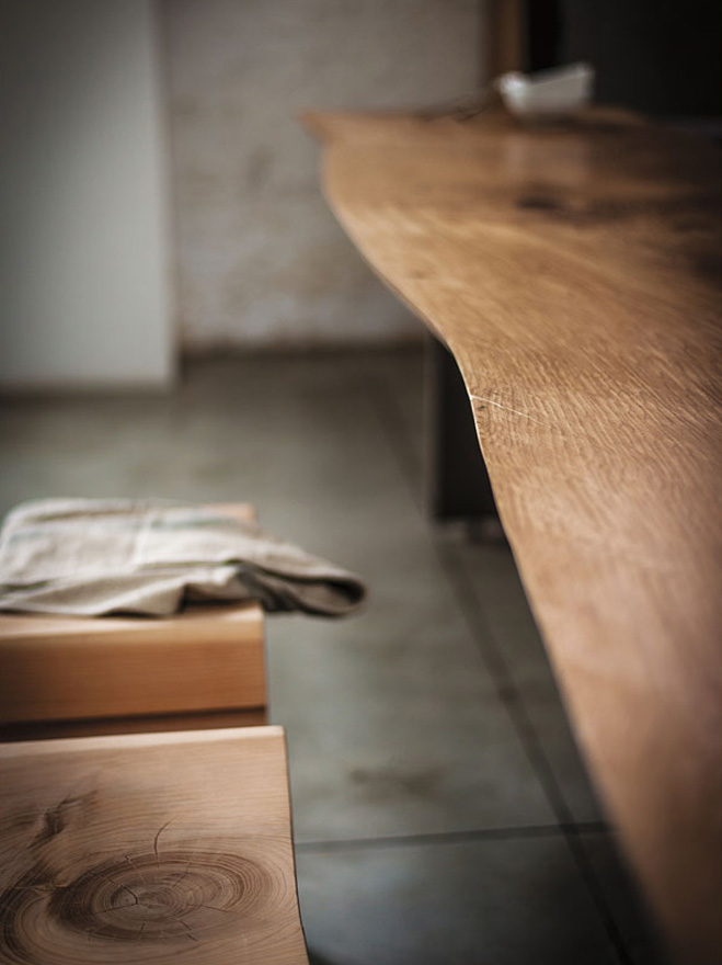 Natural-Wood-Seating-by-Terry-Dwan-11
