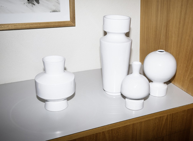 A-Form-Sitting-in-Empty-Space---Vases-&-Bowls-by-Linck-Ceramics-4