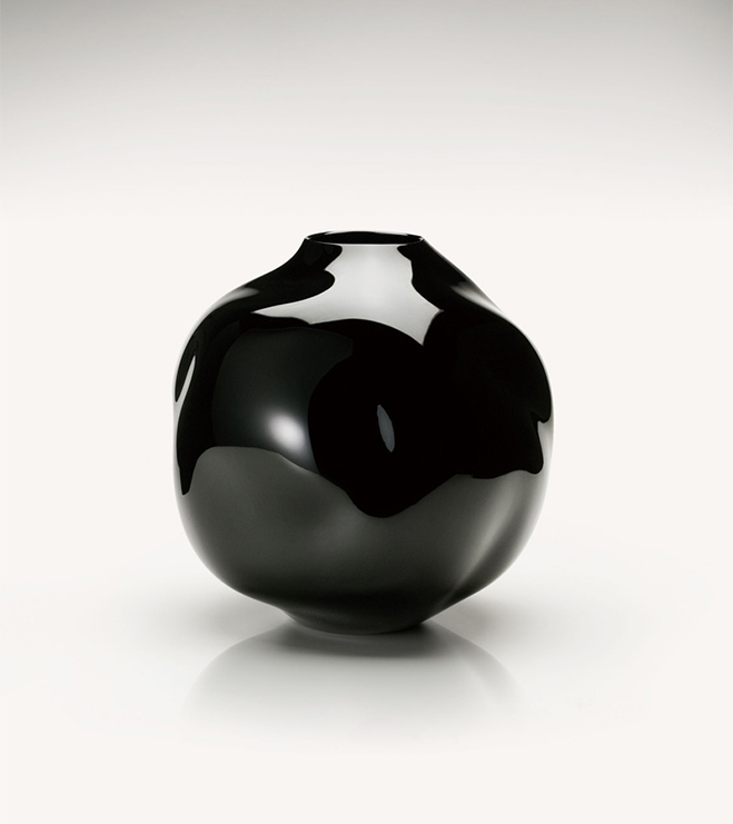 Layer-by-Layer---Lacquer-Vessels-by-Korean-Artist-Chung-Hae-Cho-5