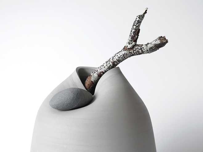 Vases-with-Stone---Unique-Vases-Produced-by-Martin-Azua-&-Marc-Vidal-3
