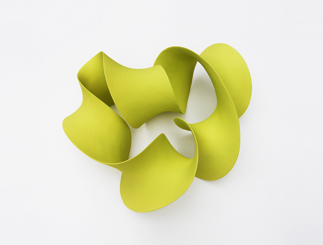 Stretching-&-Curling---Complex-Ceramic-Forms-by-Merete-Rasmussen-3