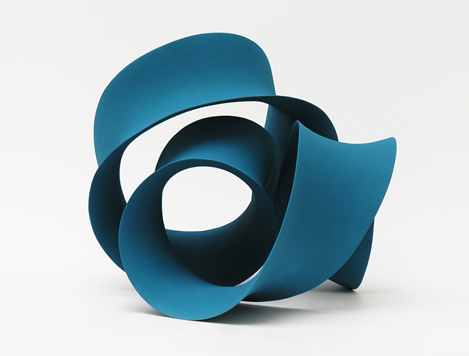 Stretching-&-Curling---Complex-Ceramic-Forms-by-Merete-Rasmussen-4