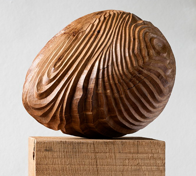 Sculptures-in-Oak---Hand-Carved-Wooden-Objects-by-Alison-Crowther-1