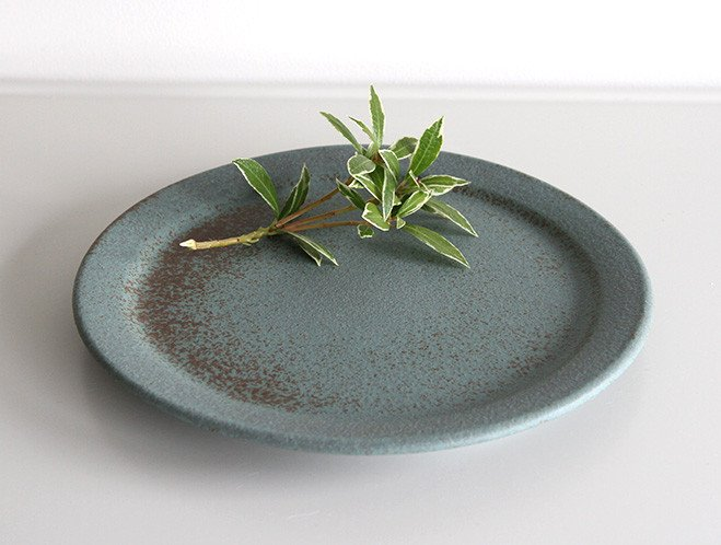 Simple Shapes - New Ceramics from Mushimegane Books 7